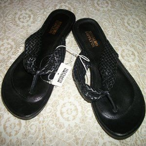 SWEET NEW MOSSIMO SANDALS 7